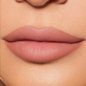Kylie Cosmetics Makeup - Brand New Kylie Matte Lip kit